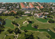 lots of golf courses to choose from in the riviera maya