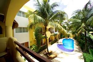 Hotel Riviera Caribe Maya great location in playa del carmen only 3 blocks from the beach
